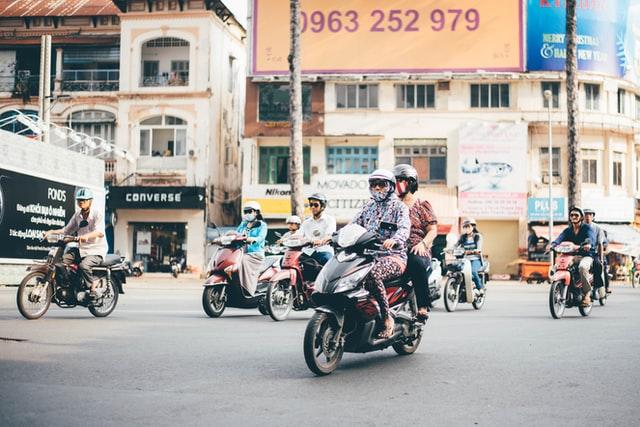 Elektrische scooter vs Benzine scooter – Voor- en nadelen